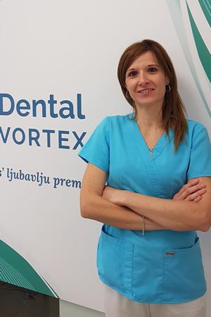 Dr Marija Baković  Doktorka opšte stomatologije
