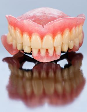 totalna proteza za zube